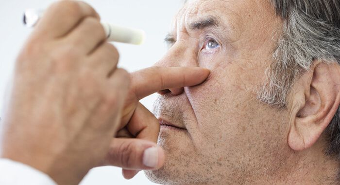 В глаз попал цементный раствор что делать смеси сухие цементные жизнеспособность раствора